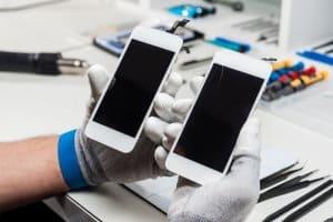תמונת ראשית לעמוד החלפת מסך אייפון 7 מקורי – טכנאי מבצע תיקון טלפונים דיל פיקס מעבדה לתיקון סלולרי
