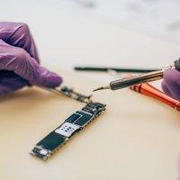 תמונה ראשית לעמוד הלחמות רכיבים דיל פיקס מעבדה לתיקון סלולרי